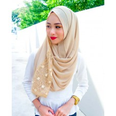 Instant shawl 1.0 (Whimsical Pearl series: Gold)