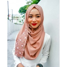 Instant shawl 1.0 (Whimsical Pearl series: Rose Wood)