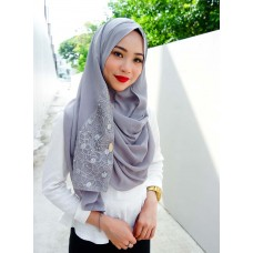 Instant shawl 1.0 (Whimsical Pearl series: Silver)