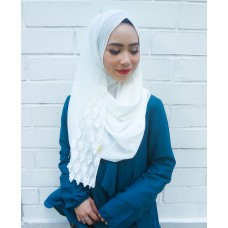 Instant shawl 1.0 (Whimsical leaves series: Snow White)