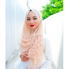 Instant shawl Rania (Lace floral series: Peachy Nude)