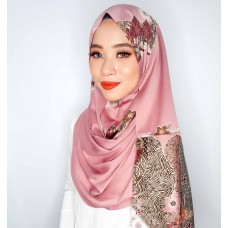 Instant shawl Rania (Batik series: Natrah in Gypsy Rose)