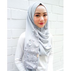 Instant shawl 1.0 (Whimsical fringe series: Silver)