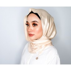 Chloe Semi Instant Shawl (Satin - Corn Silk)