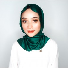 Chloe Semi Instant Shawl (Satin Silk - Emerald Green)